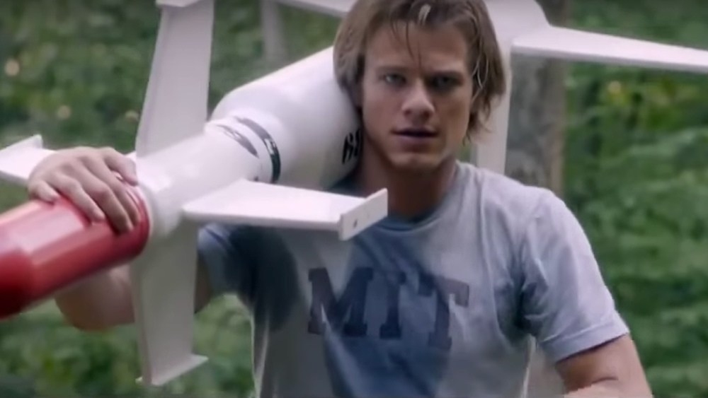 new-trailer-for-the-awful-looking-series-reboot-of-macgyver-social1